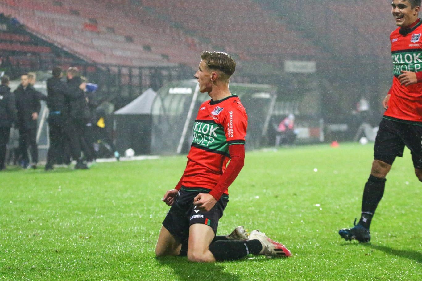 NEC legt Van der Sluijs langer vast