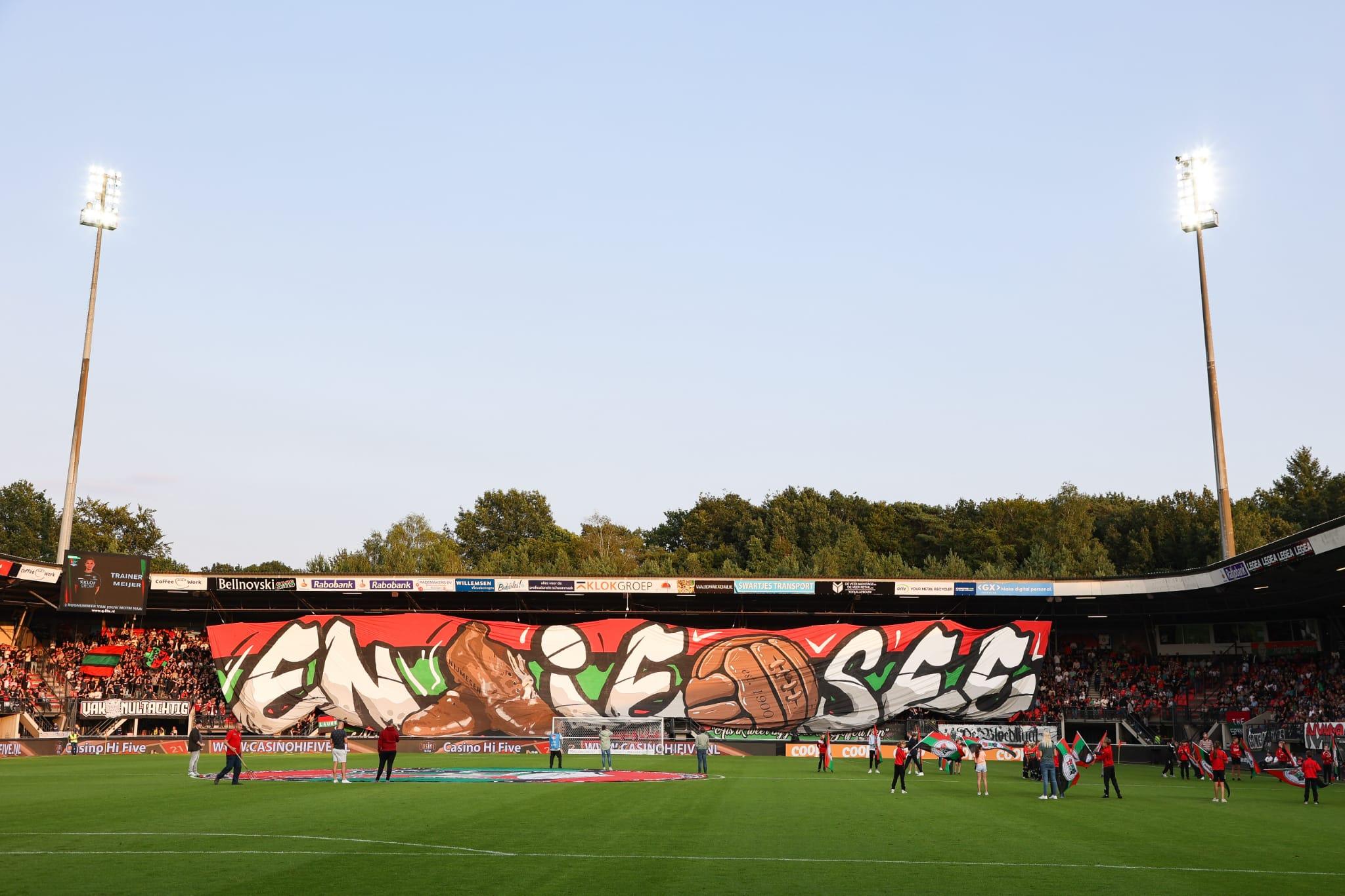 """NEC-supporters laten zich opnieuw van hun beste kant zien: """"Sfeer a la Udinese-thuis"""""""
