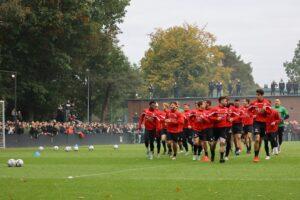 2.000 uitzinnige fans steunen NEC in laatste training voor de derby
